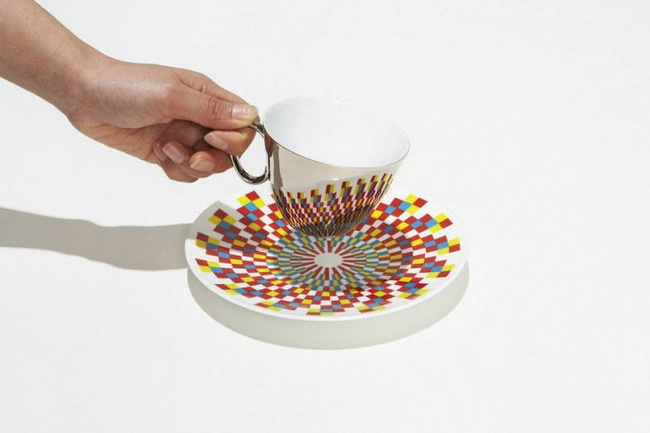 cup and saucer1