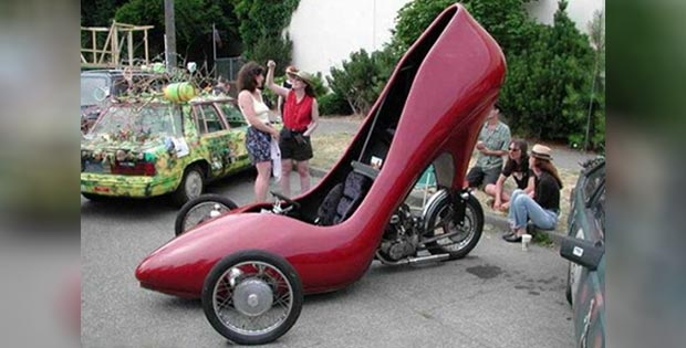 Shoe-shaped ladies' car