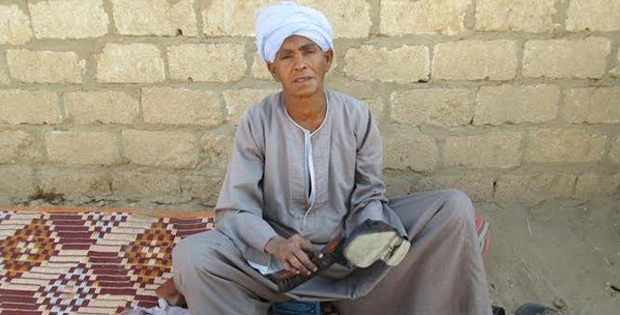 She had to disguise as a man for 43 years to provide for her family