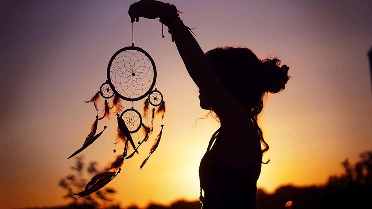Dreamcatcher at sunset
