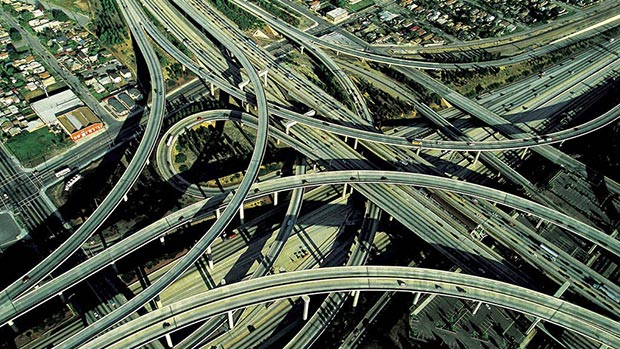World's 18 craziest and most amazing roads