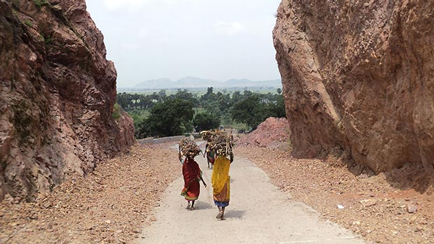Mountain way carved out by Dashrath Manjhi