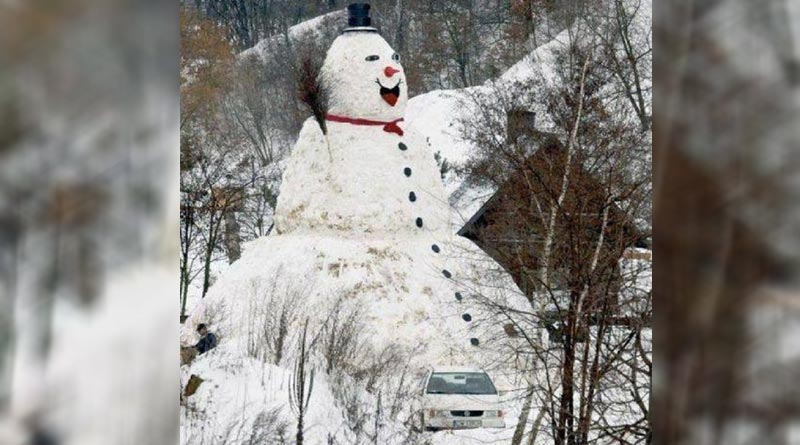 Positive, laughing snowman