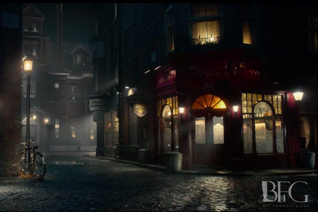 The BFG (2016) HD wallpaper/ Night streets
