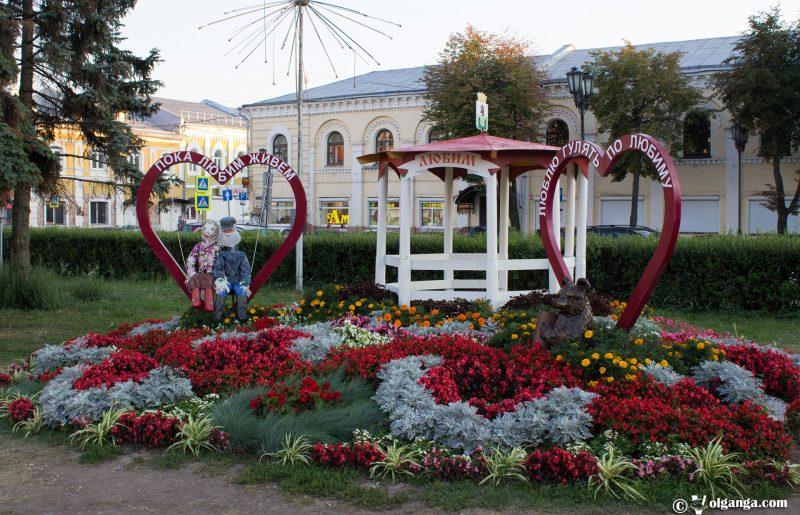 Flowerbed design by Lyubim town, Yaroslavl, 2016