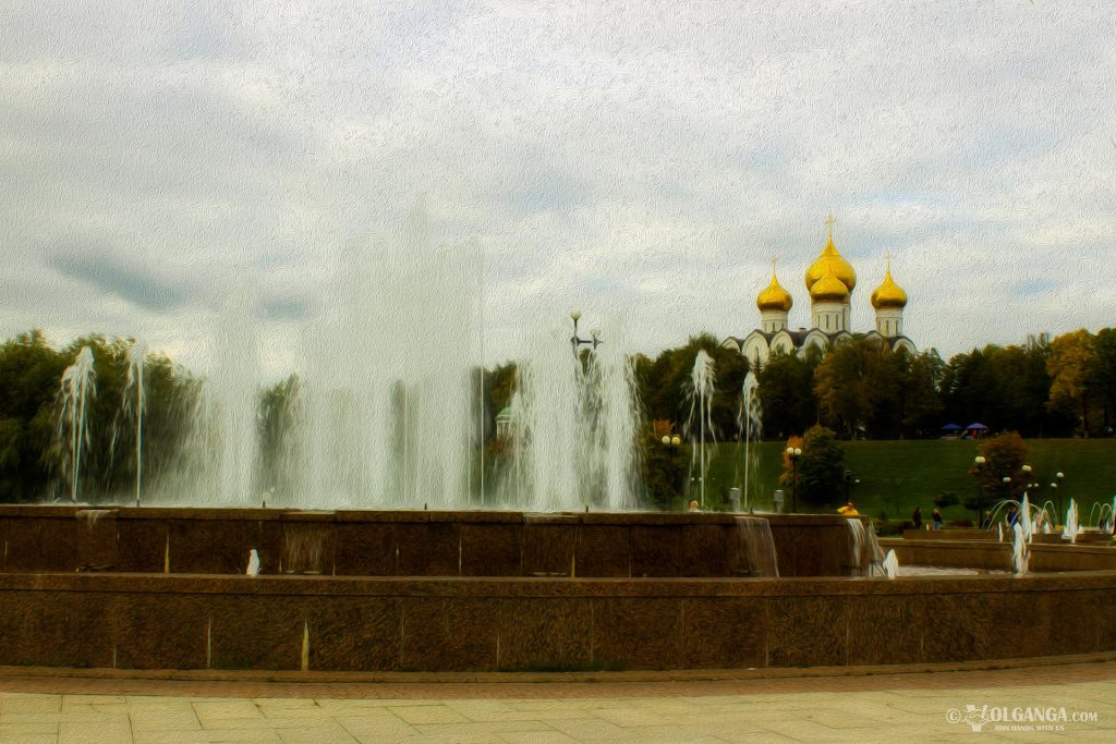 Musical Fountains at Strelka and view on Ouspensky Cathedral, Yaroslavl 2016