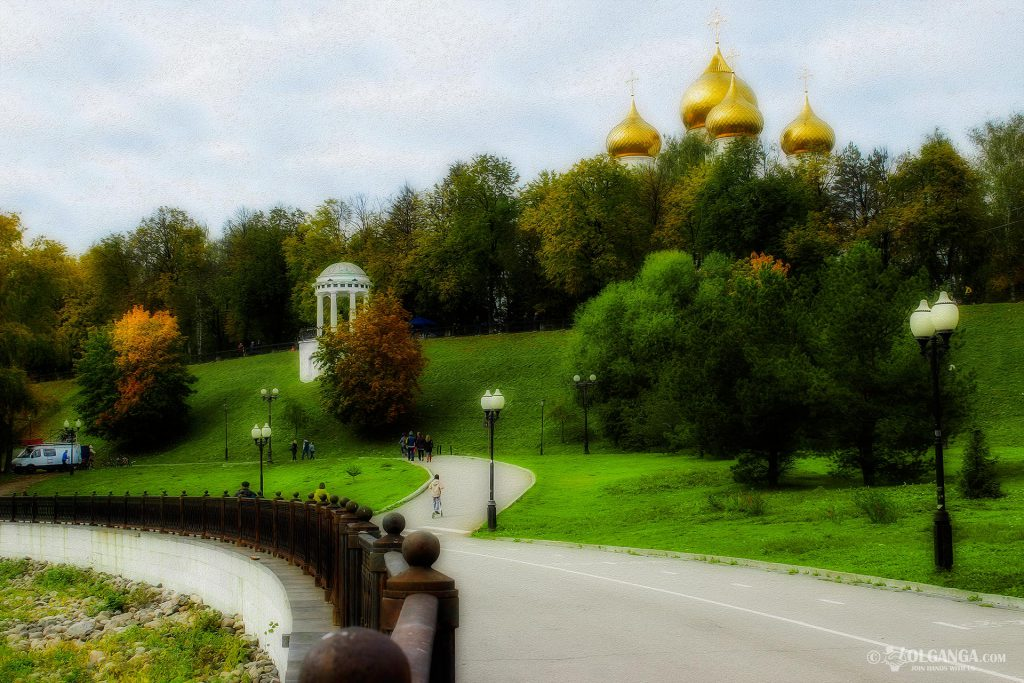 Rotunda - one of the symbols of Yaroslavl, golden autumn 2016