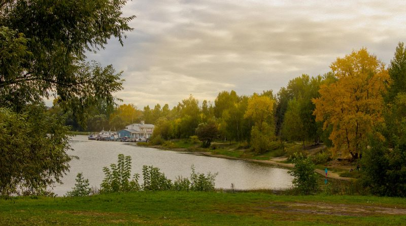 Kotorosl river near the bridge to Damansky isle, Yaroslavl 2016