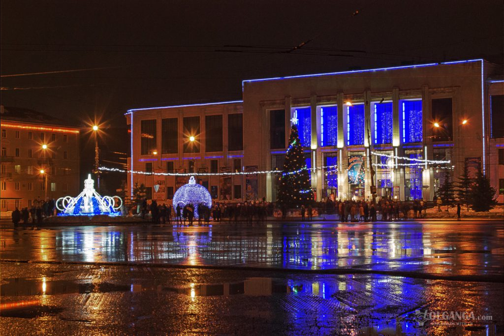 View of Yubileynaya Square on New Year night 2017