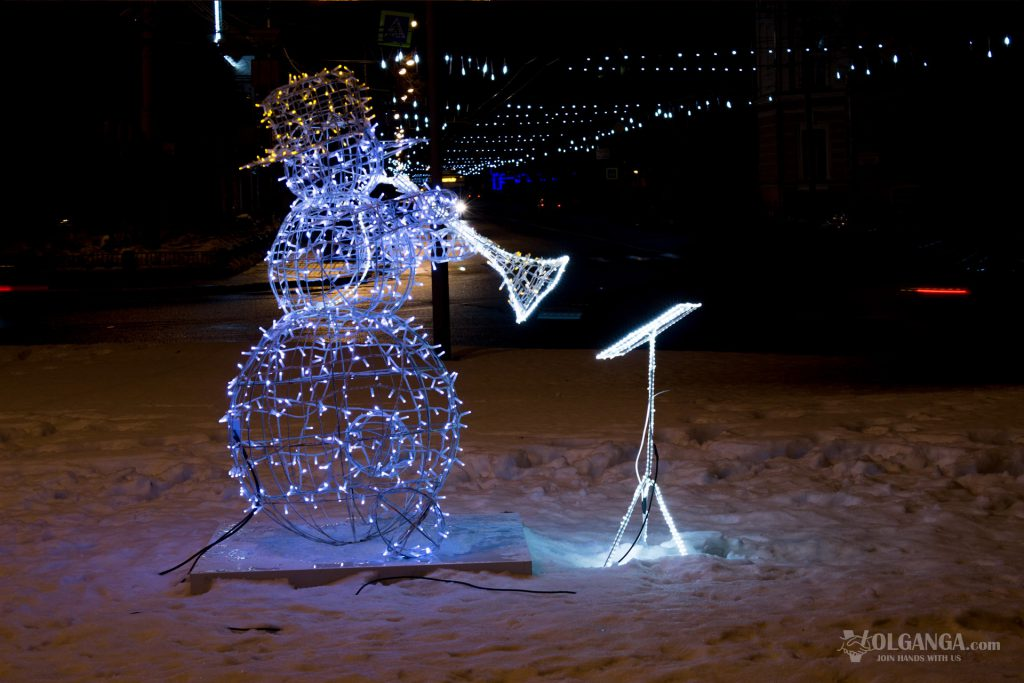 Ledlight snowman with a trumpet, Yaroslavl on New Year night 2017