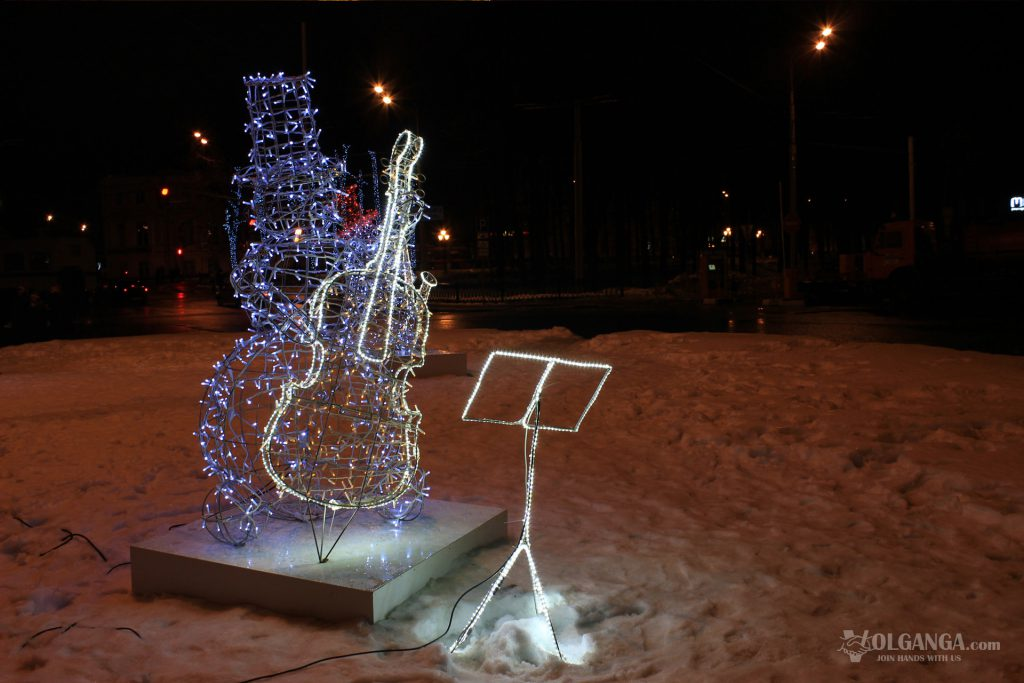 Snowman musician on red Squar in Yaroslavl, New Year 2017