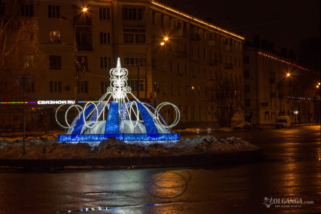 Ledlight fountain on Yubileynaya Square on New Year night 2017 (Yaroslavl)