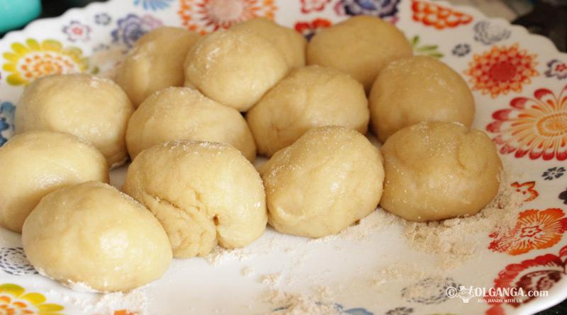 Divide dough into 16 equal parts